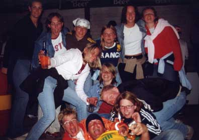 images/galerie/2004/party_team1.jpg