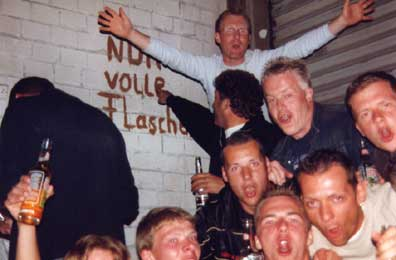images/galerie/2004/party_team_3.jpg