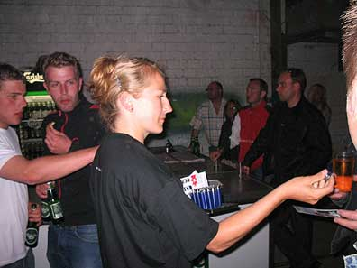 images/galerie/2004/sparhandy_aktion_party2.jpg